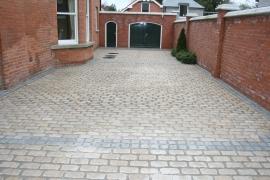 cobble paving, cobble stones